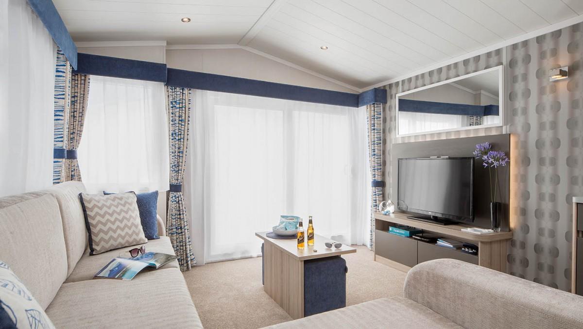 Antibes Lounge